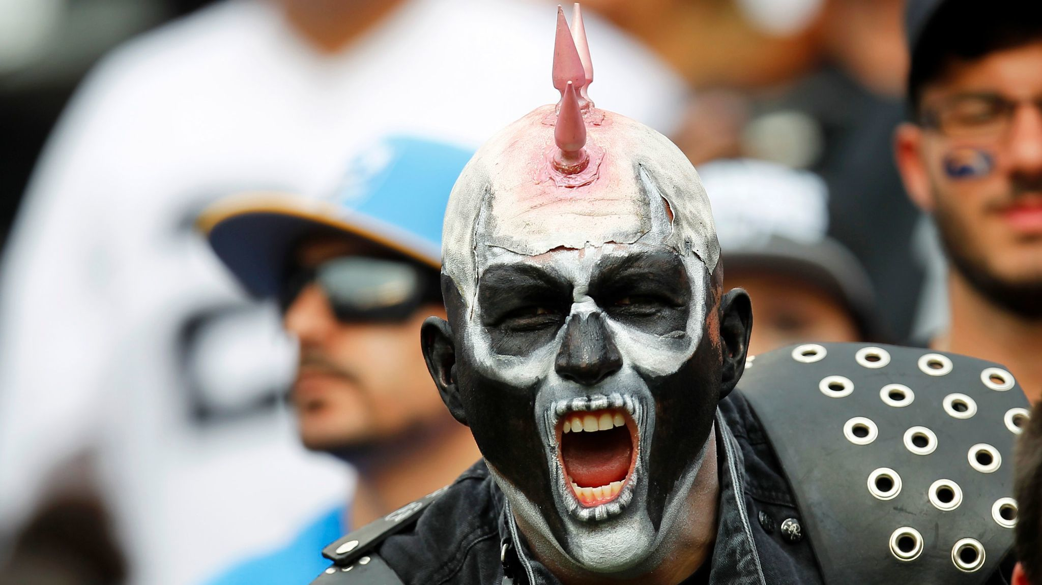 Sd-sp-chargers-raiders-fans-20161216