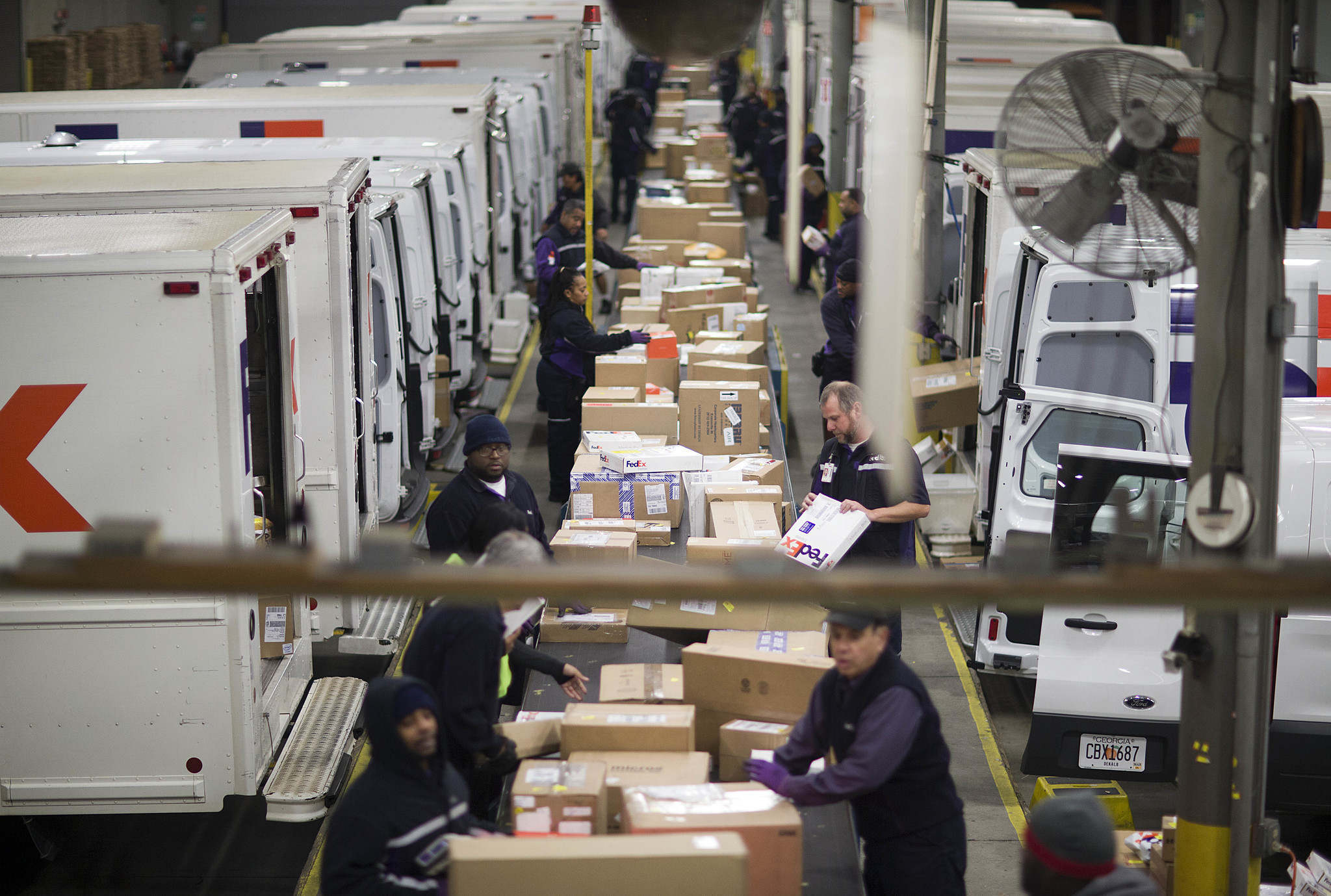 The shipping industry is poised for massive upheaval can fedex weather the storm la times