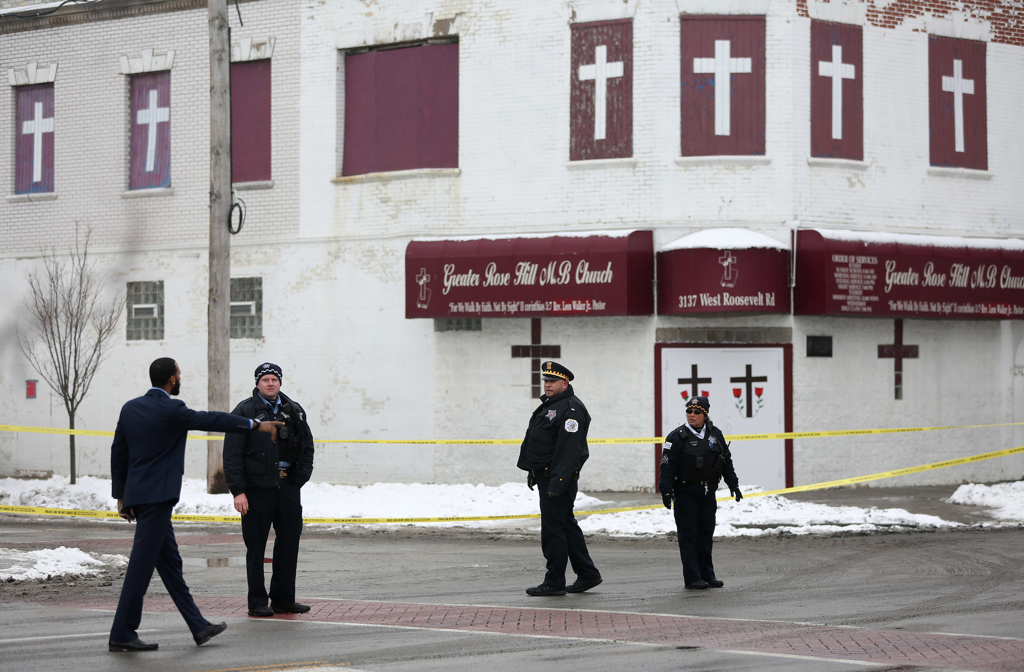 Man shot, seriously wounded at West Side funeral home - Chicago Tribune