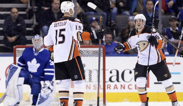 Fowler Lifts Ducks Over Leafs In Carlyle's Toronto Return