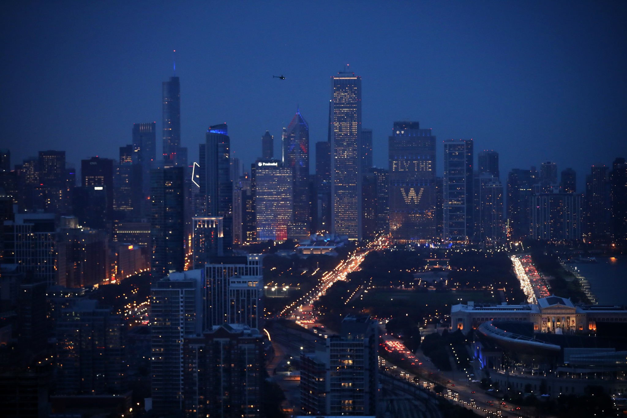 Illinois loses more residents in 2016 than any other state   Chicago Tribune