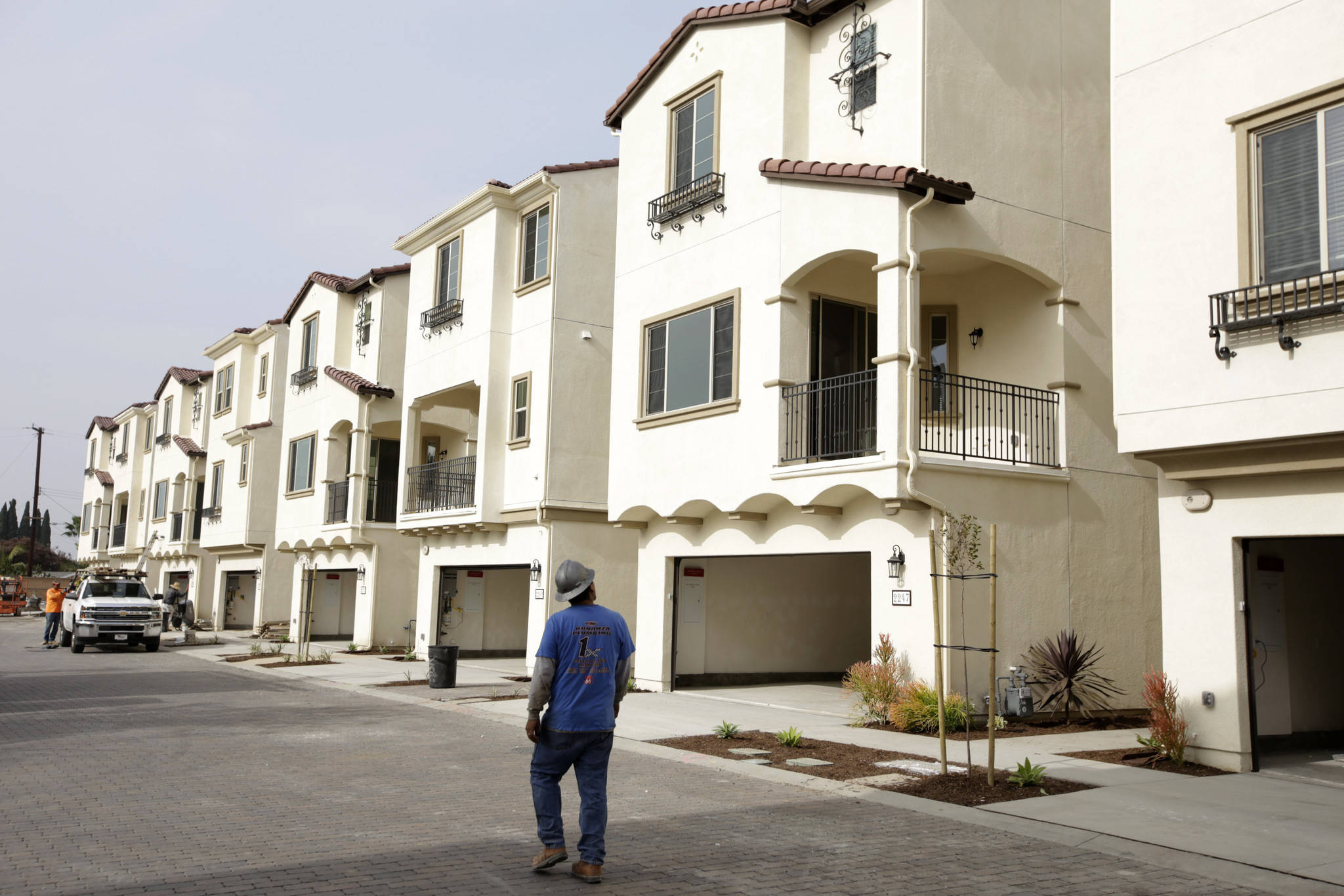 Cost to build a new home in california - One Solution To Southern California S Housing Crisis Building In Tight Spaces Small Lots La Times