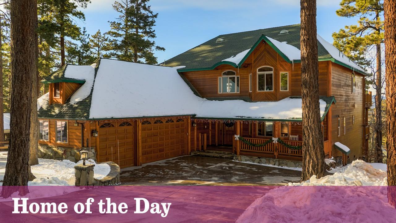 Log home at big bear lake is set near the ski slopes la for Log cabins in big bear