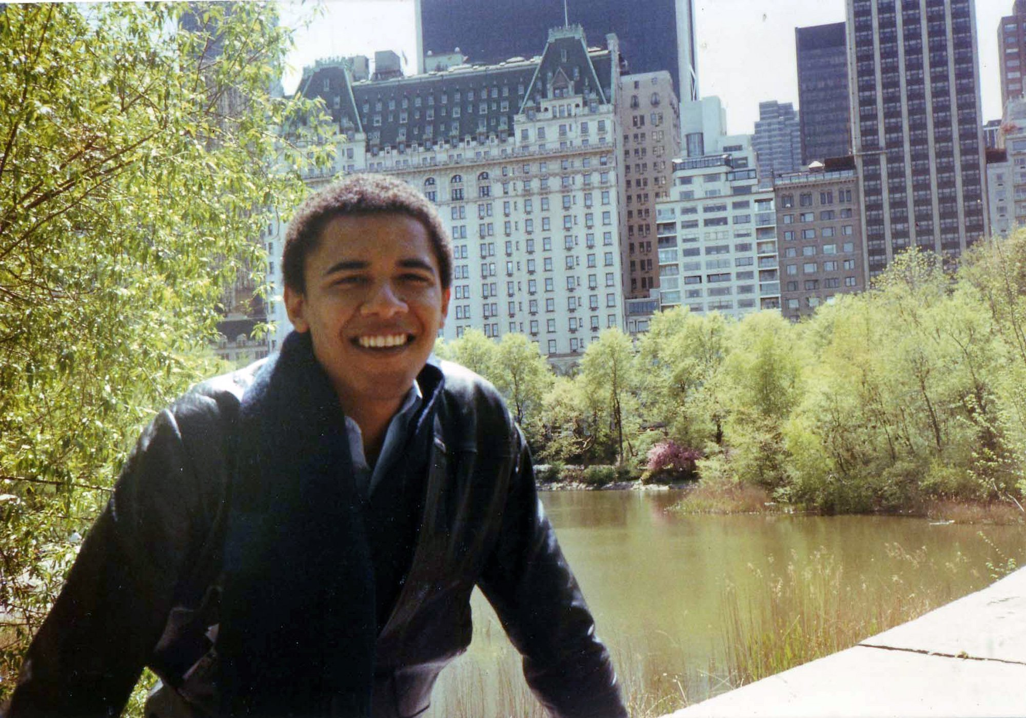 obama recalls his wildly pretentious college years chicago tribune