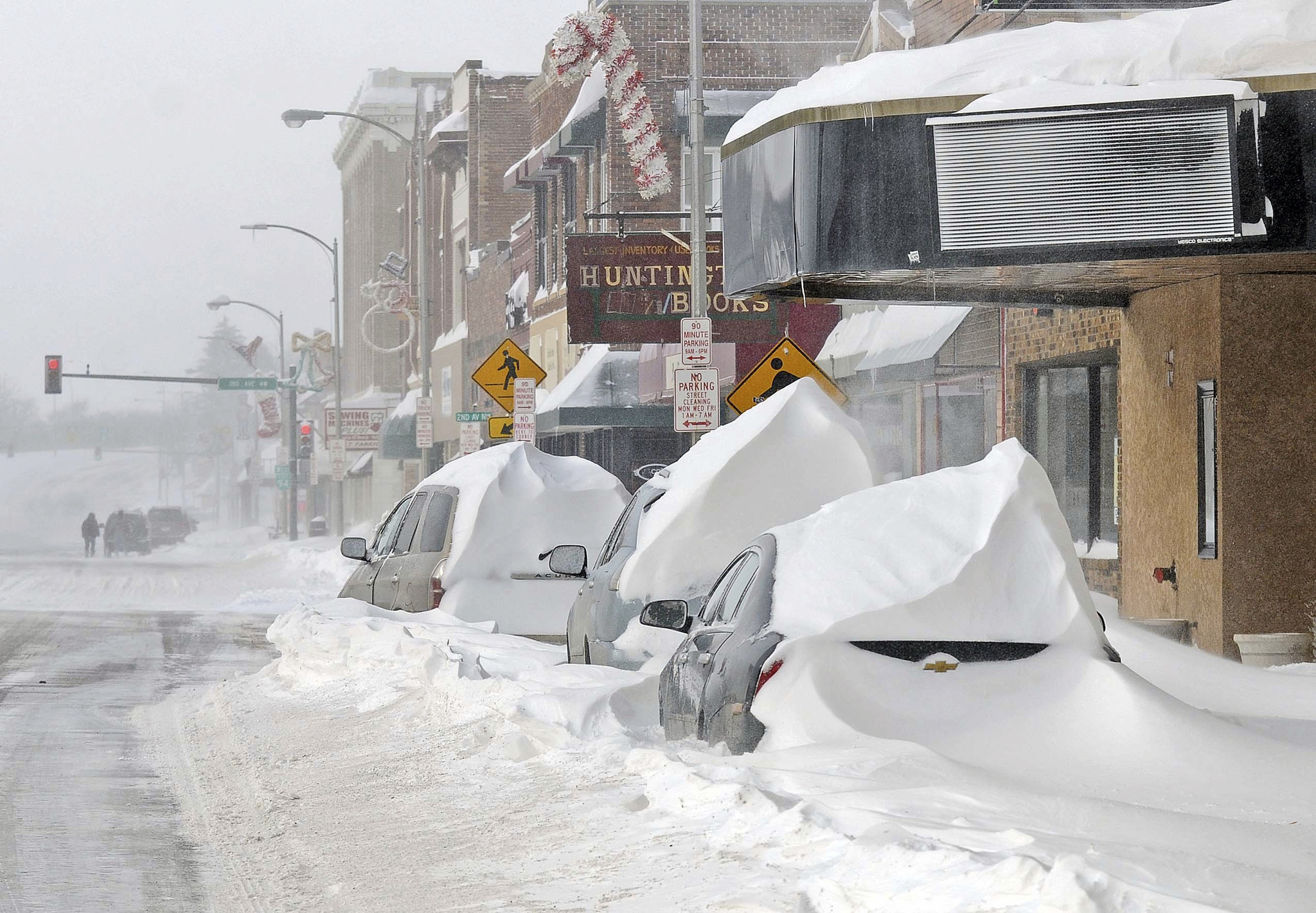 Winter storm that struck Christmas Day weakens, but thousands ...