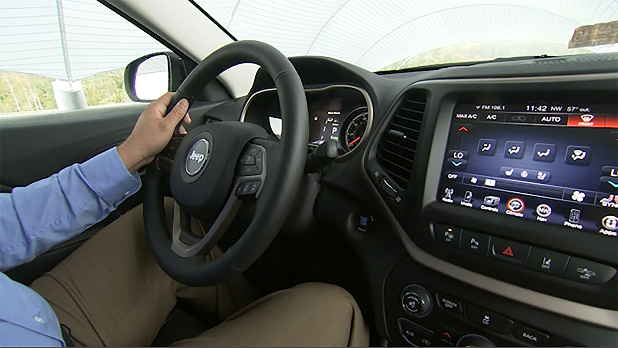 new auto safety technologies leave some drivers bewildered chicago tribune. Black Bedroom Furniture Sets. Home Design Ideas