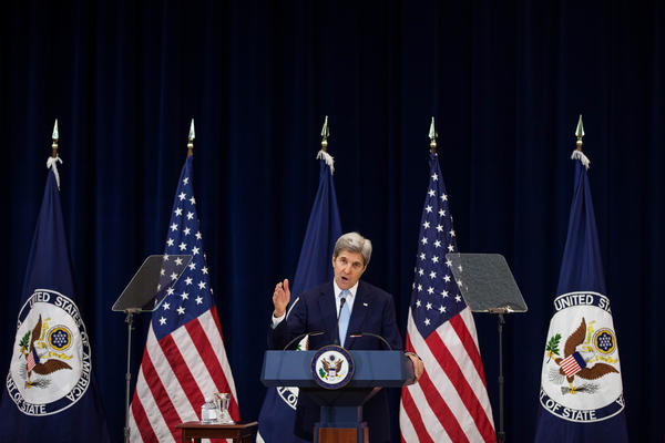 Secretary of State John Kerry outlines his proposals for resolving the Israeli-Palestinian conflict. (Zach Gibson / Getty Images)
