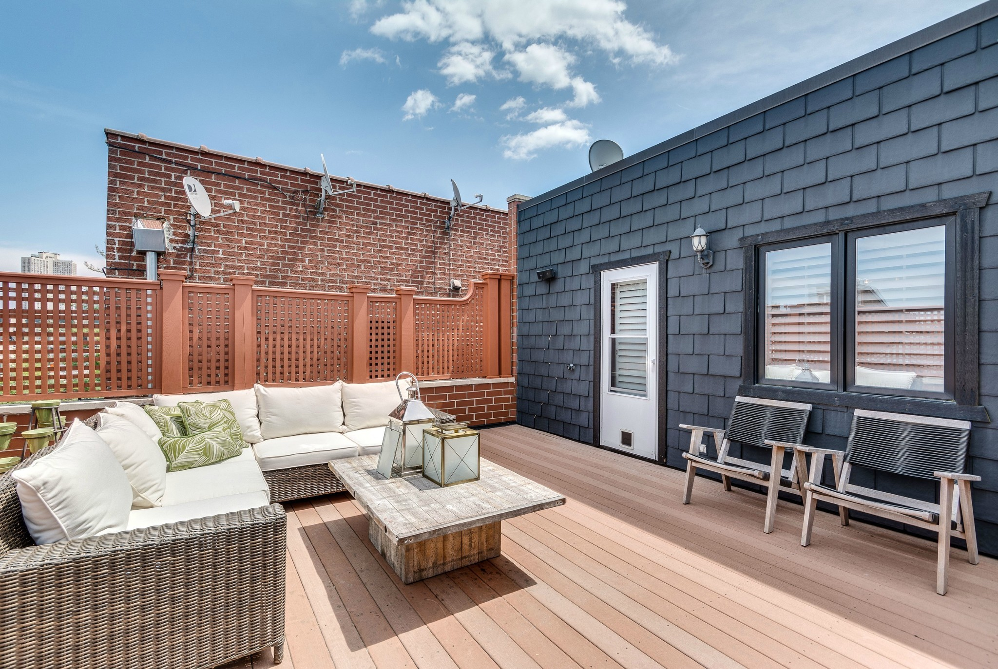 lincoln park home with double roof decks 2 25m chicago tribune