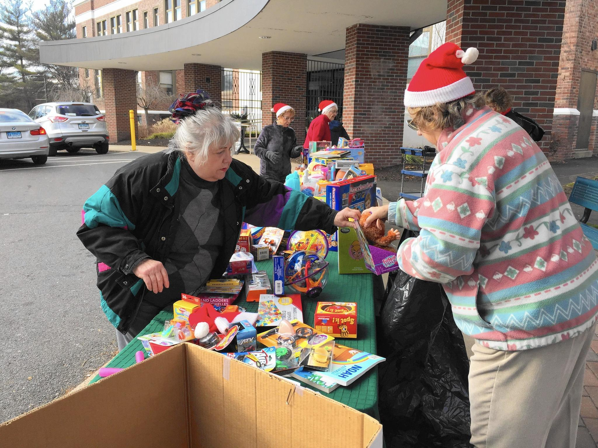 Toys For Seniors : Seniors donate toys in elmwood senior center s first