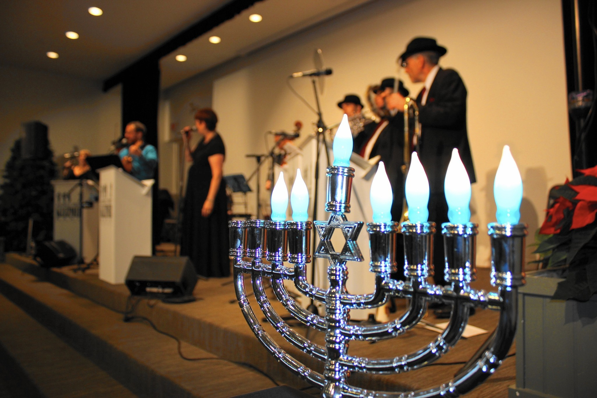 Celebrating Hanukkah through music - Chicago Tribune