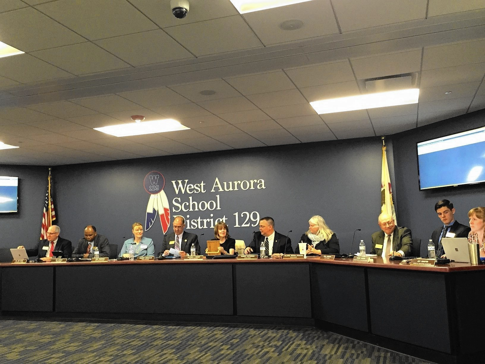Four Seek Three Spots On West Aurora School Board Aurora Beacon News