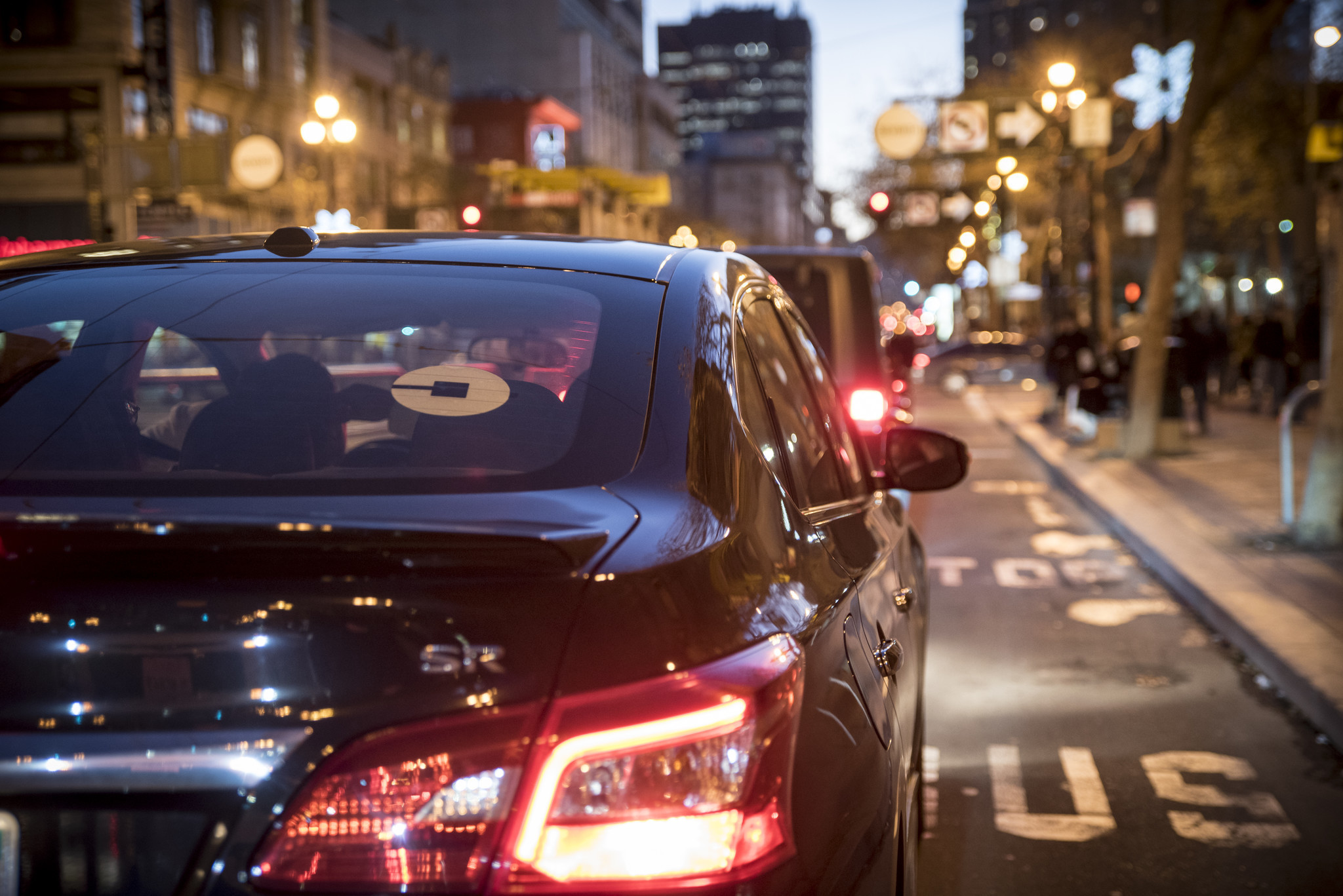 Who Pays Better Uber Or Lyft >> Want to avoid sky-high Uber and Lyft fares on New Year's Eve? Leave early or leave late - LA Times
