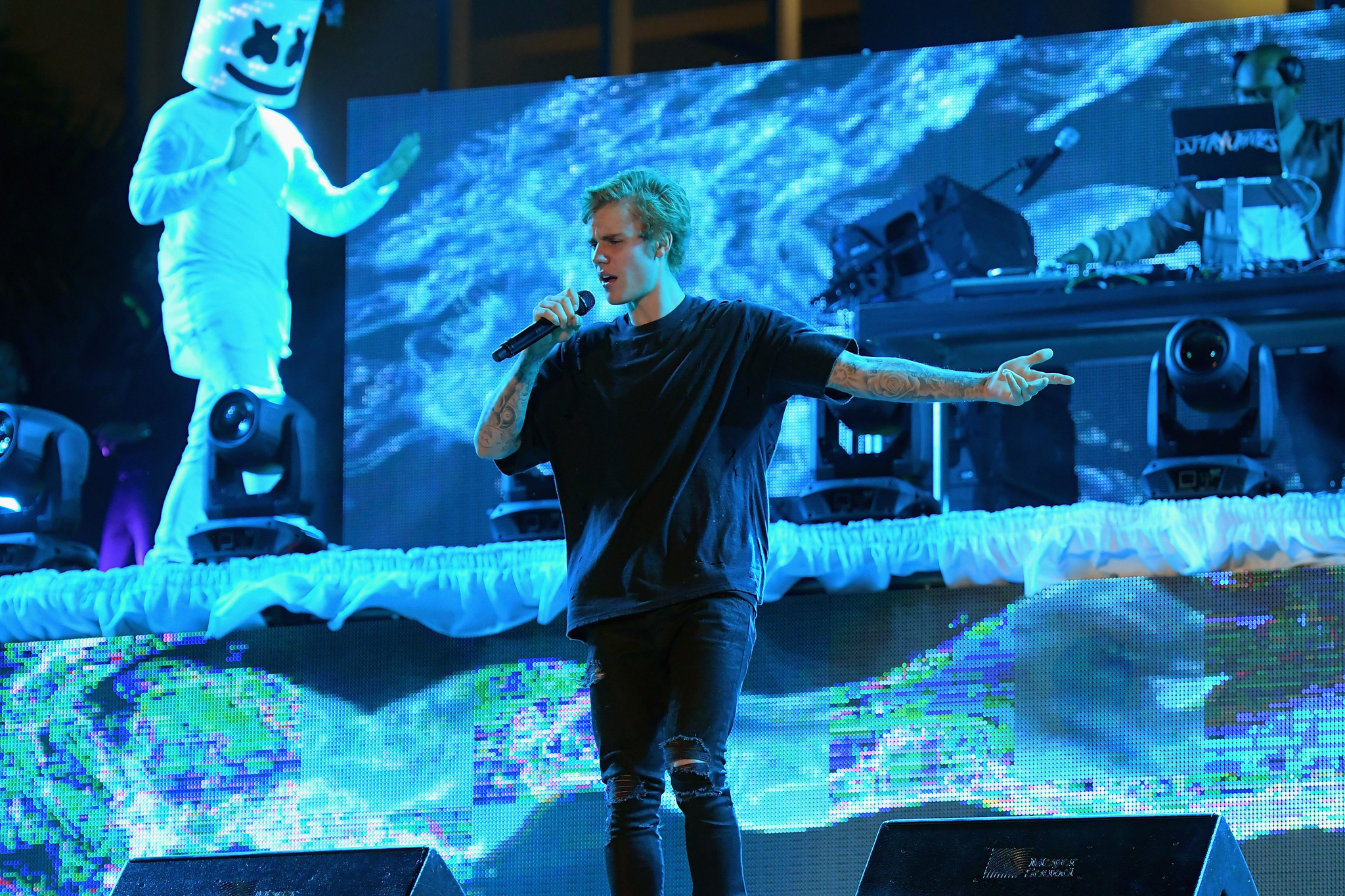 Image result for justin bieber marshmello new years
