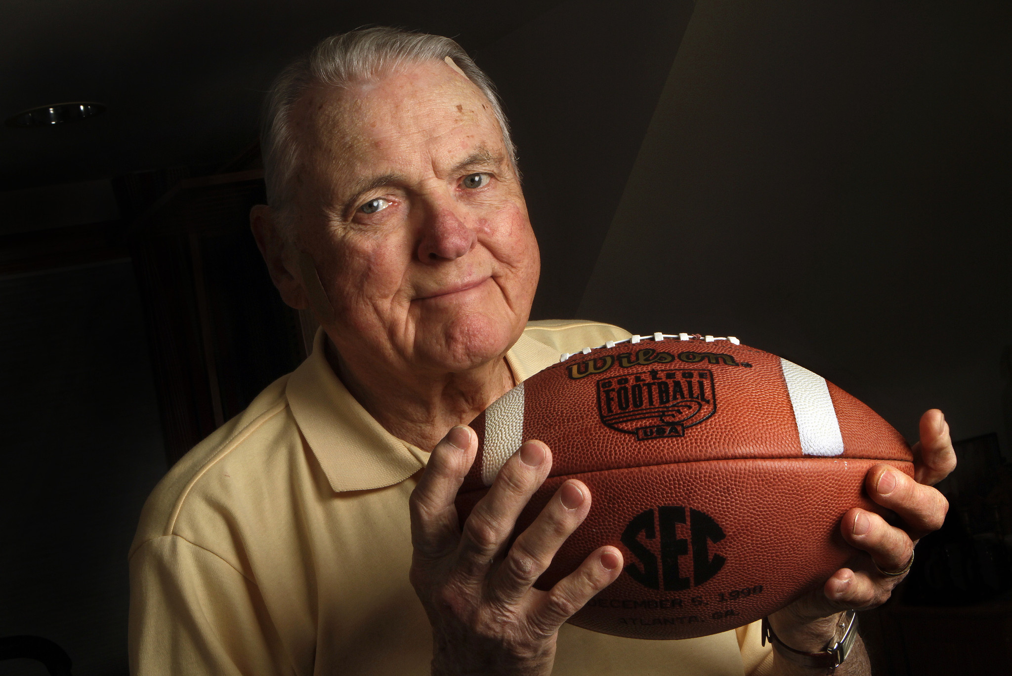 Keith Jackson >> Keith Jackson Returns To The Rose Bowl Game Just Not In The