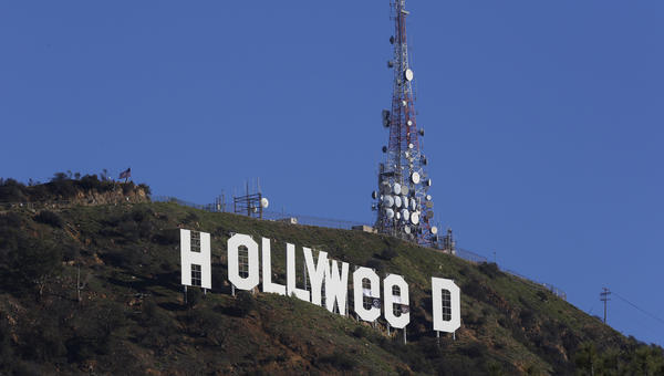 hollywood sign altered to read hollyweed la times