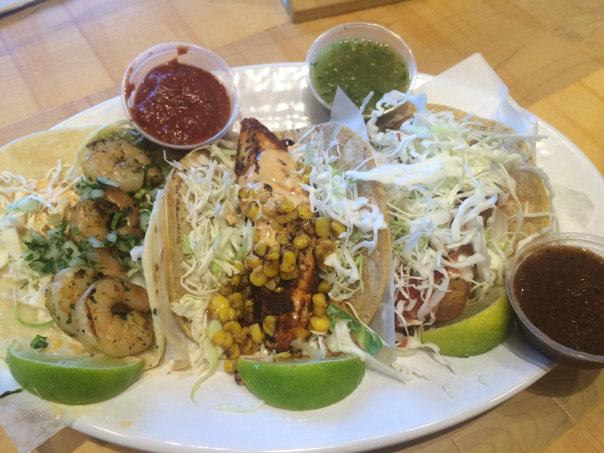 Rubio 39 s fish tacos arrive in south florida for Rubios fish taco tuesday