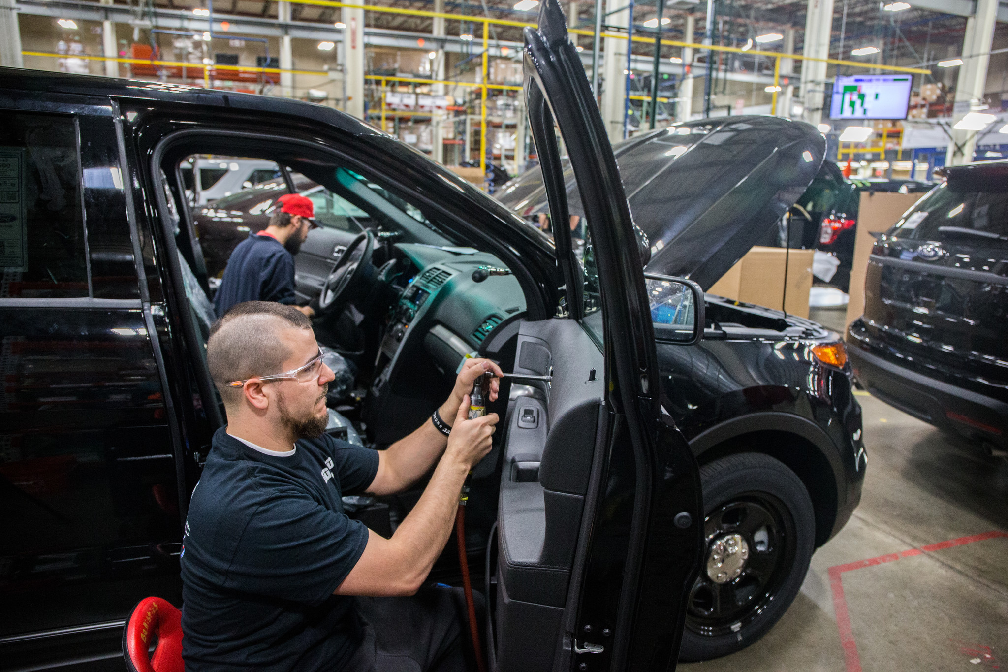 Ford to build new hybrid police cars at Southeast Side plant