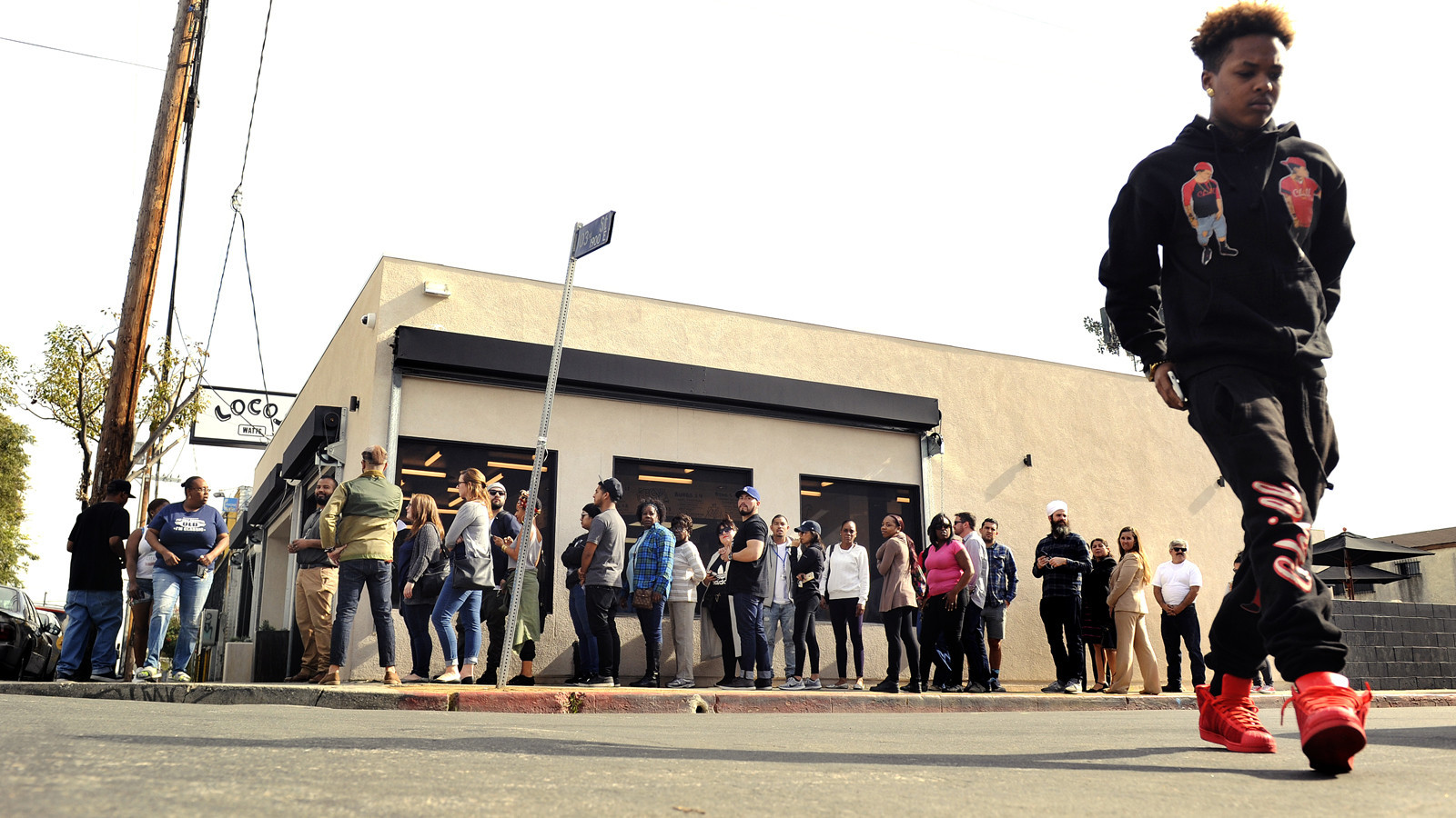 A line outside Locol in Watts when the restaurant opened in January 2016.