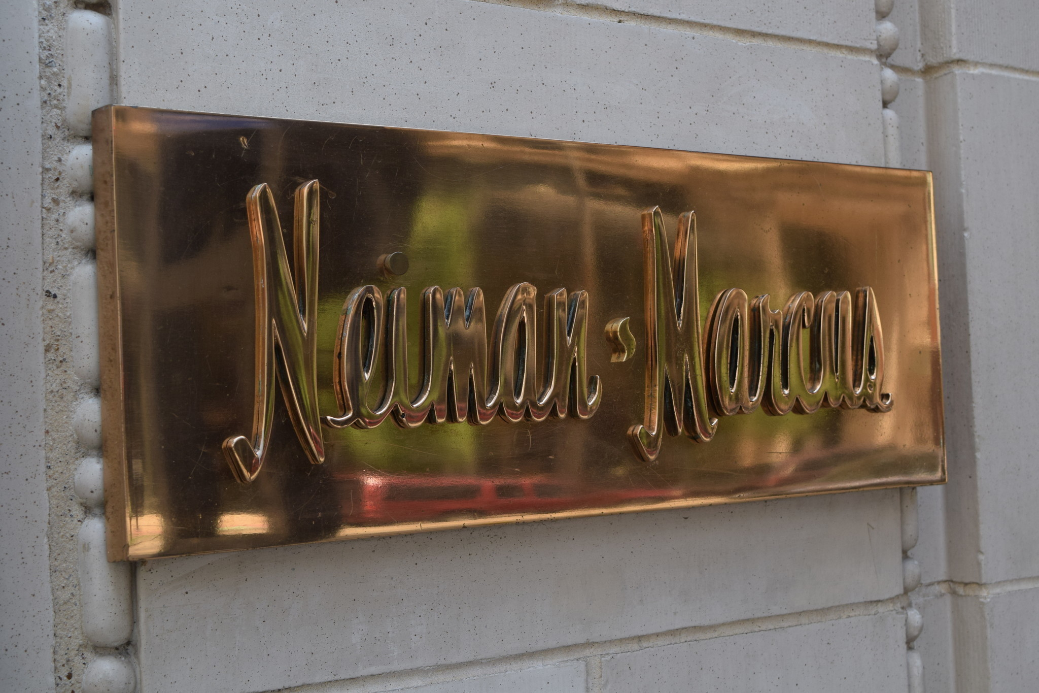 Neiman Marcus won't go public after all
