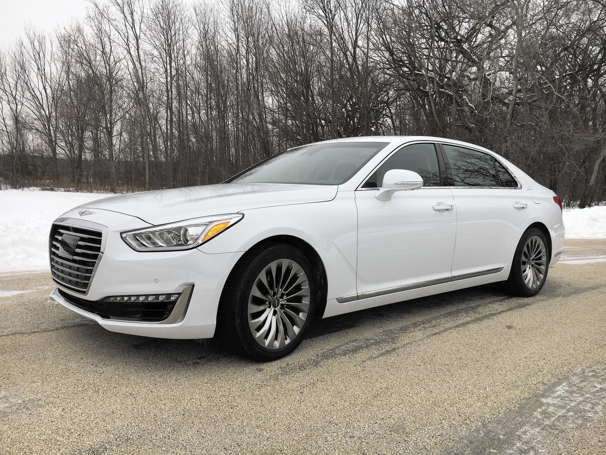 2017 Genesis G90 Flagship Sedan Carves Out A Spot For Modest Luxury Chicago Tribune