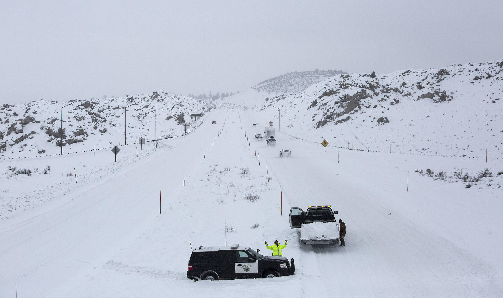 Chp vehicle stuck in the snow near mammoth lakes la times for Lake fishing near los angeles