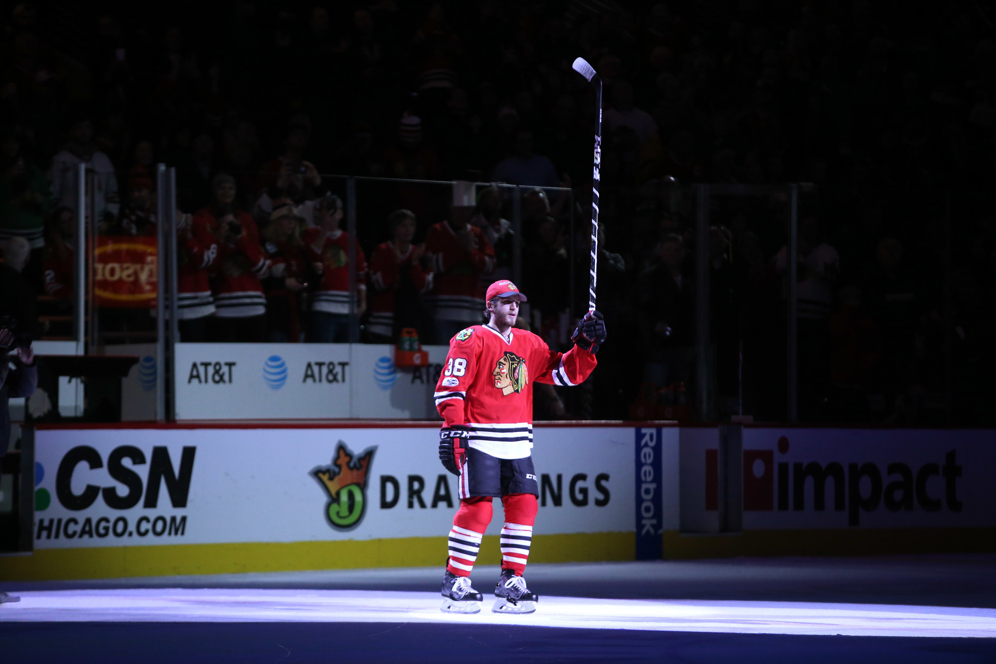Blackhawks' Ryan Hartman developed grit watching mom battle breast cancer