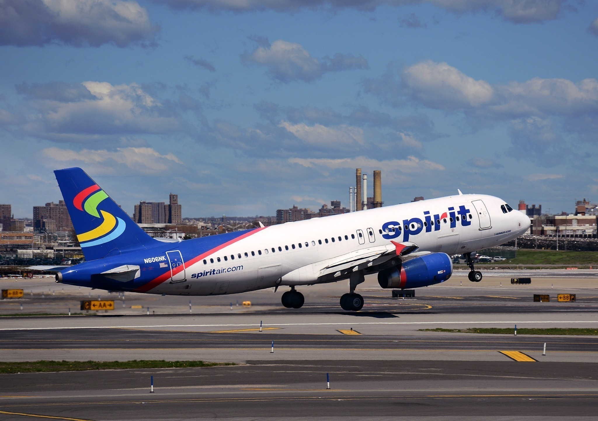 Spirit airlines to offer flights to new orleans oakland for Spirit airlines one way