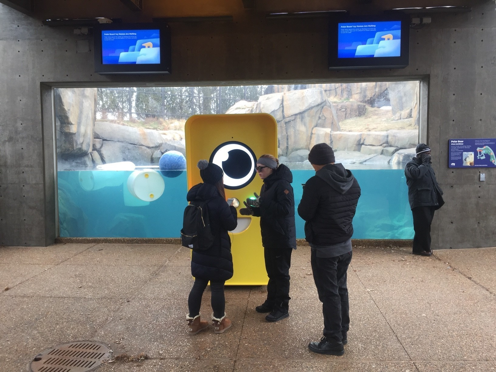 Snapchat Spectacles land at Lincoln Park Zoo