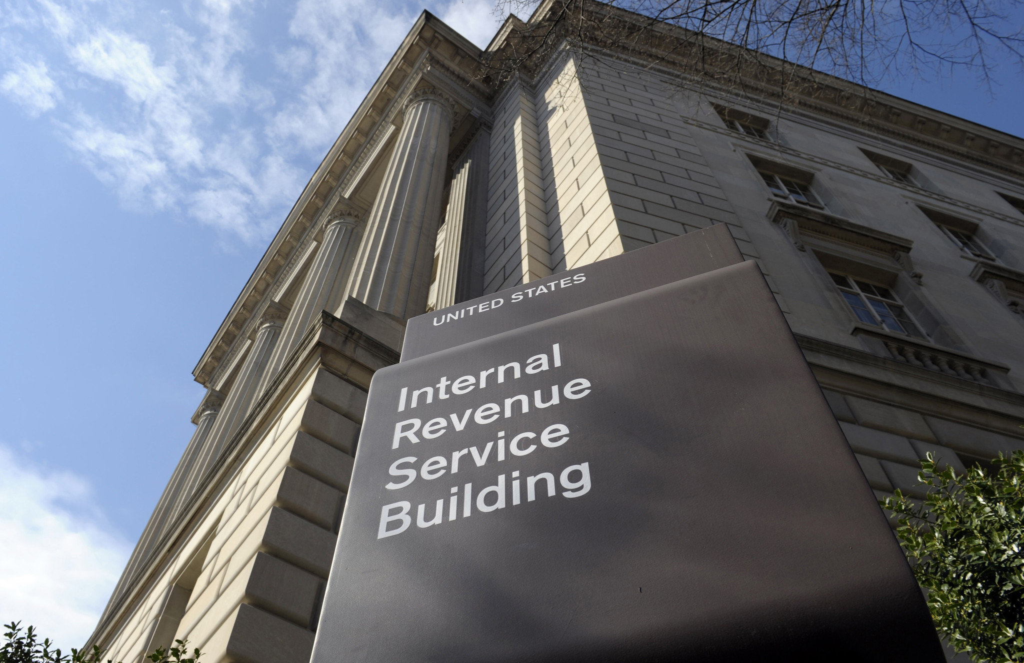 Irs To Delay Tax Refunds For Millions Of Lowincome Families Chicago Tribune  Irs To Delay Tax