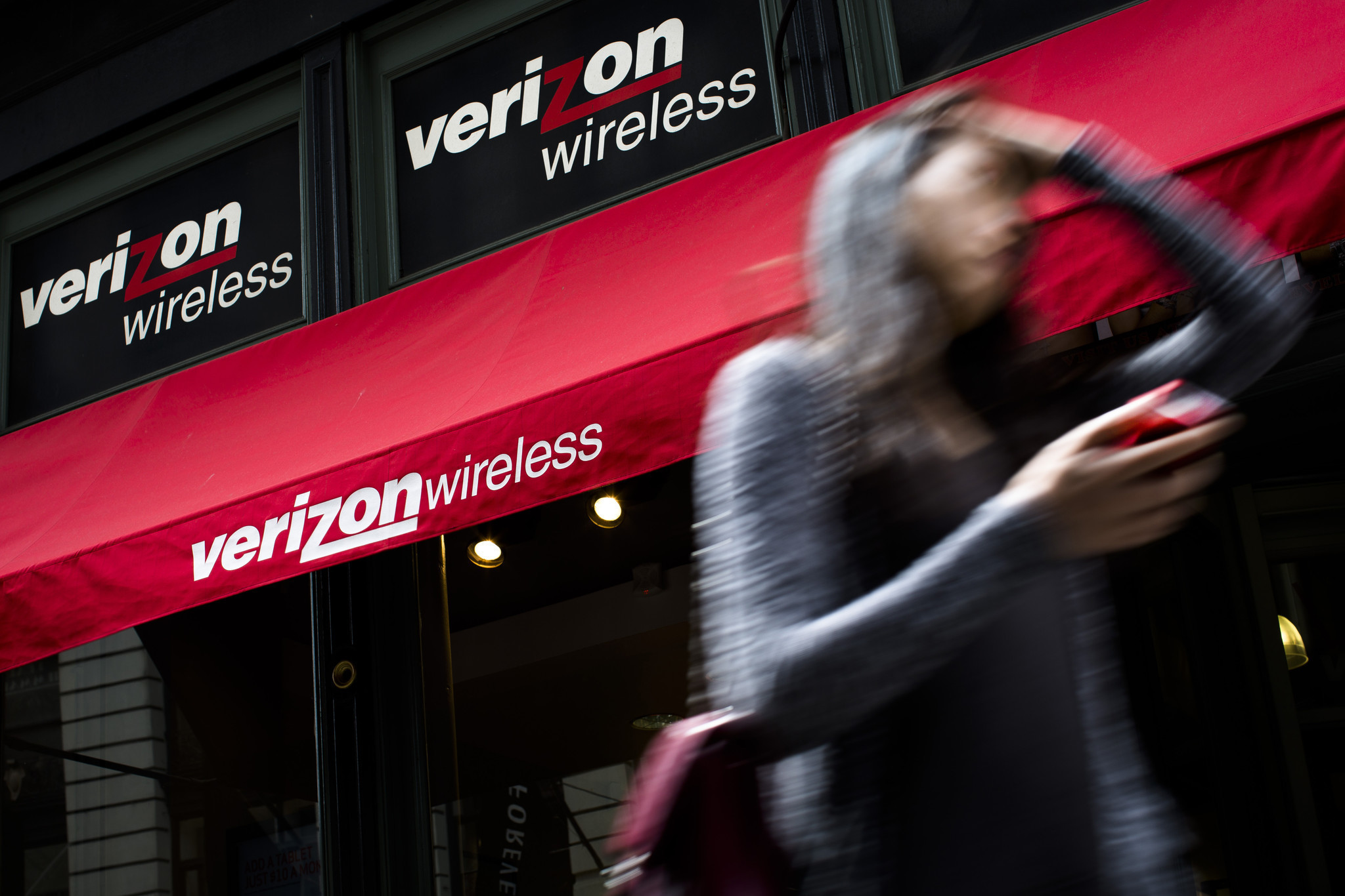 Verizon chops unlimited data plans: Big users can switch or be disconnected
