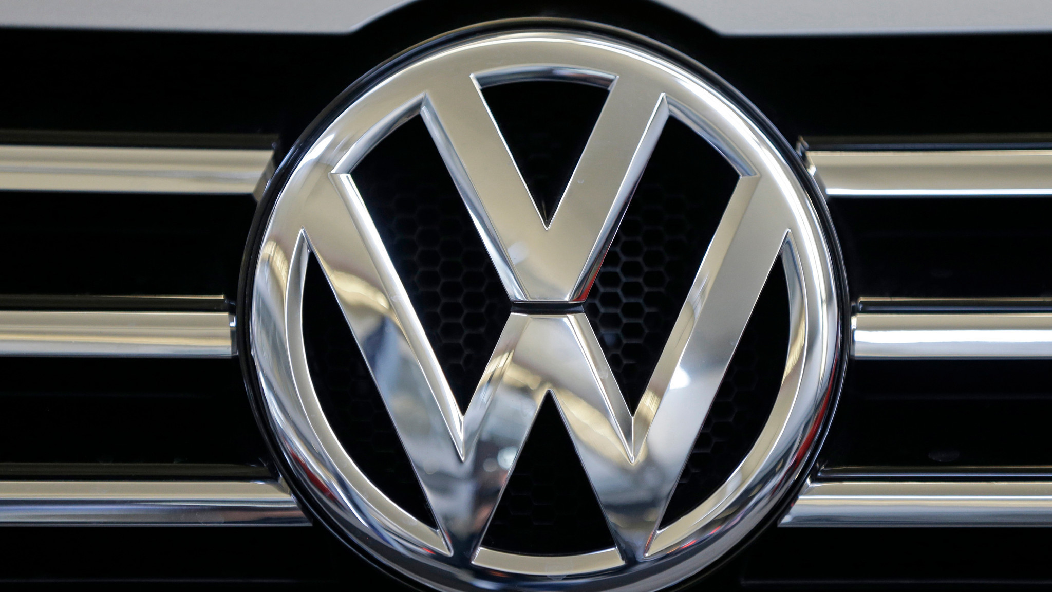 Six high-level Volkswagen employees indicted in emissions scandal