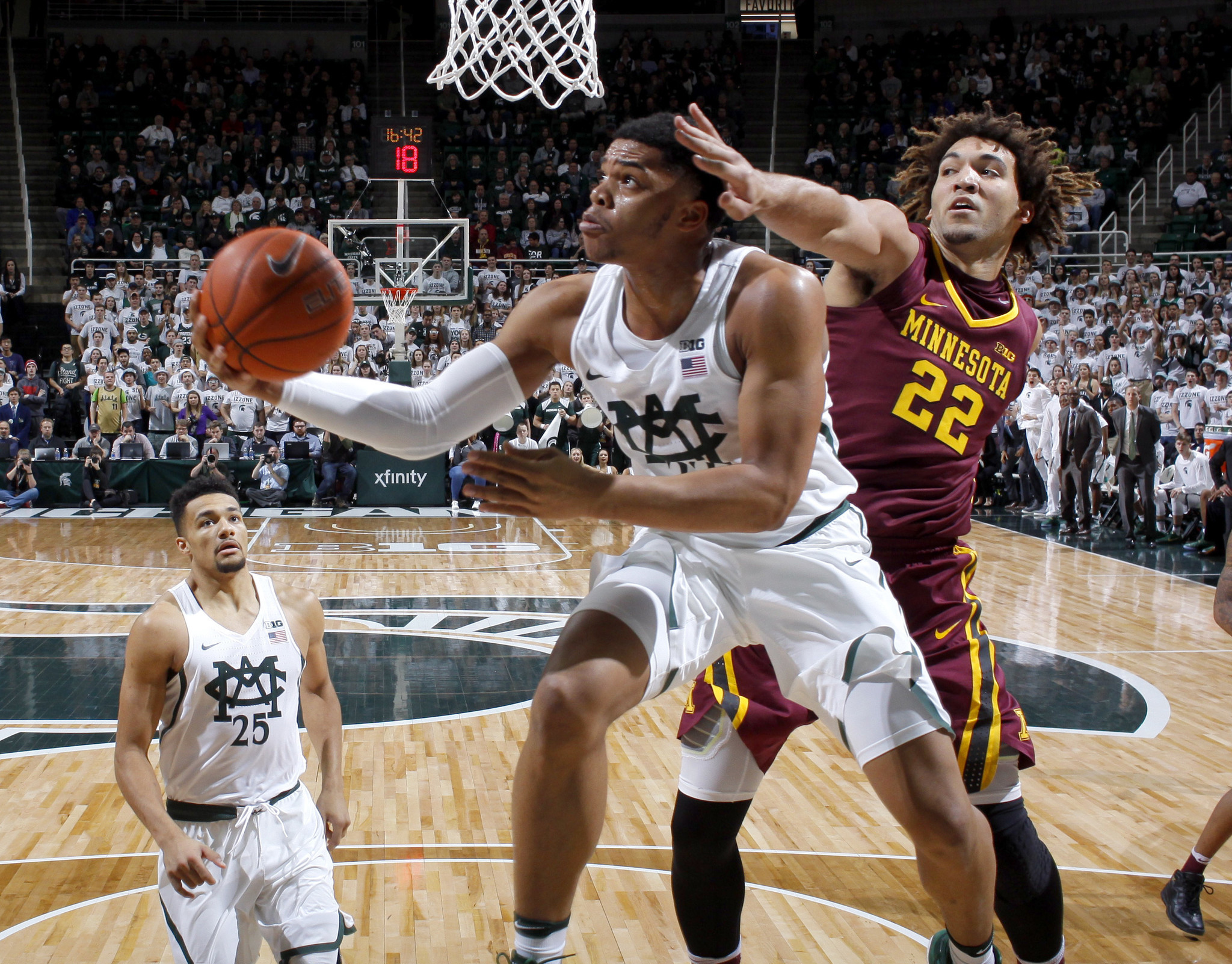 Ct-college-basketball-roundup-spt-20170111