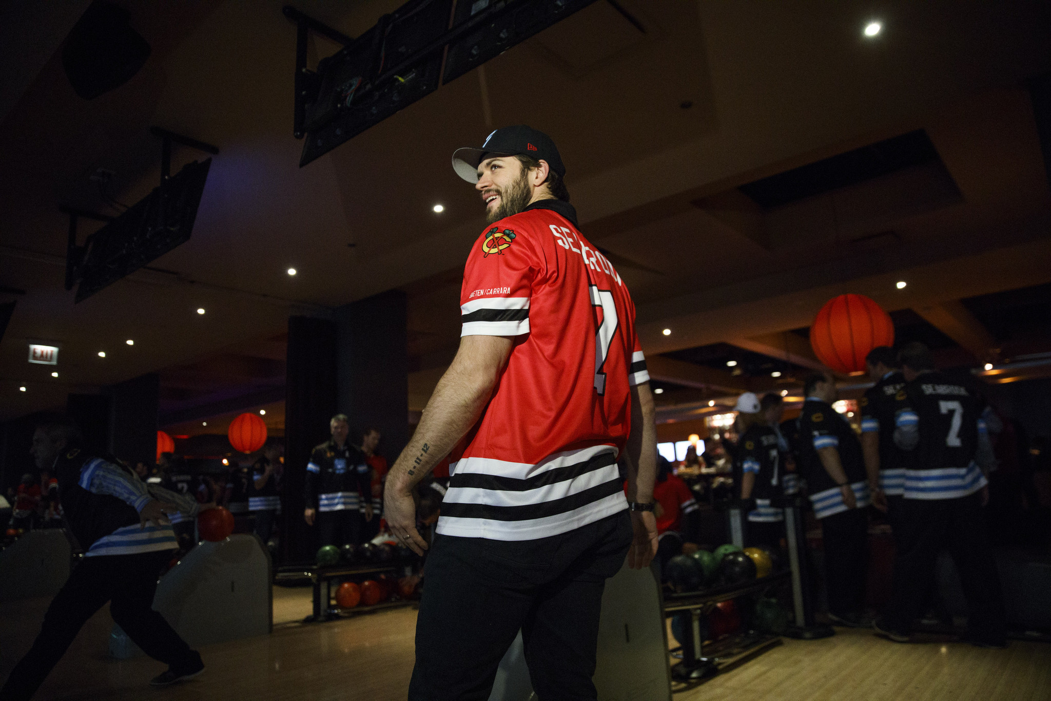 Ct-blackhawks-brent-seabrook-charity-bowl-inc-spt-20170111