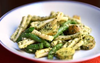 Strozzapreti or trenette with pesto, green beans and potatoes