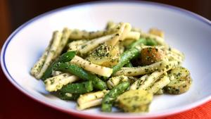 Strozzapreti or trenette with pesto, green beans and potatoes
