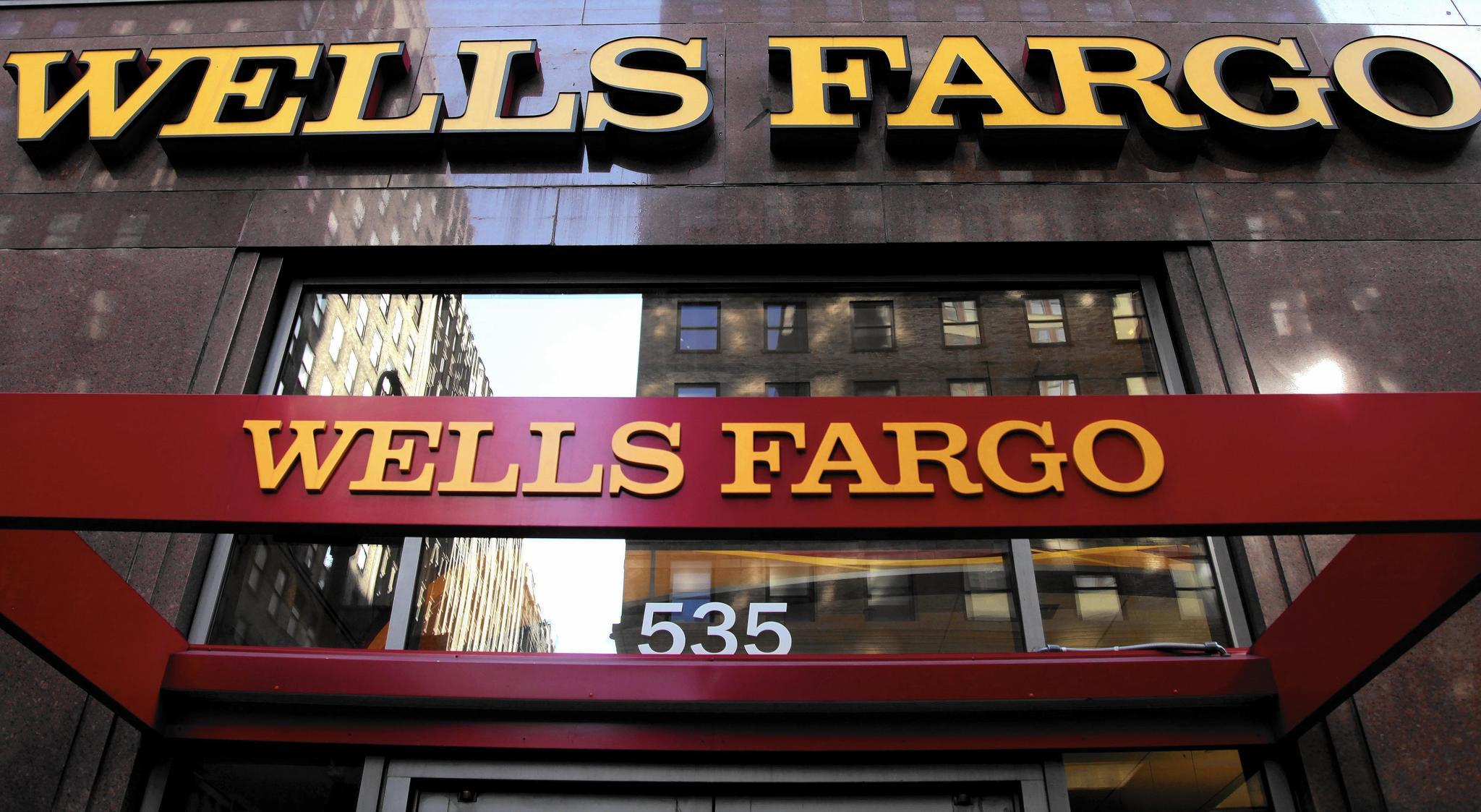 how to close wells fargo account