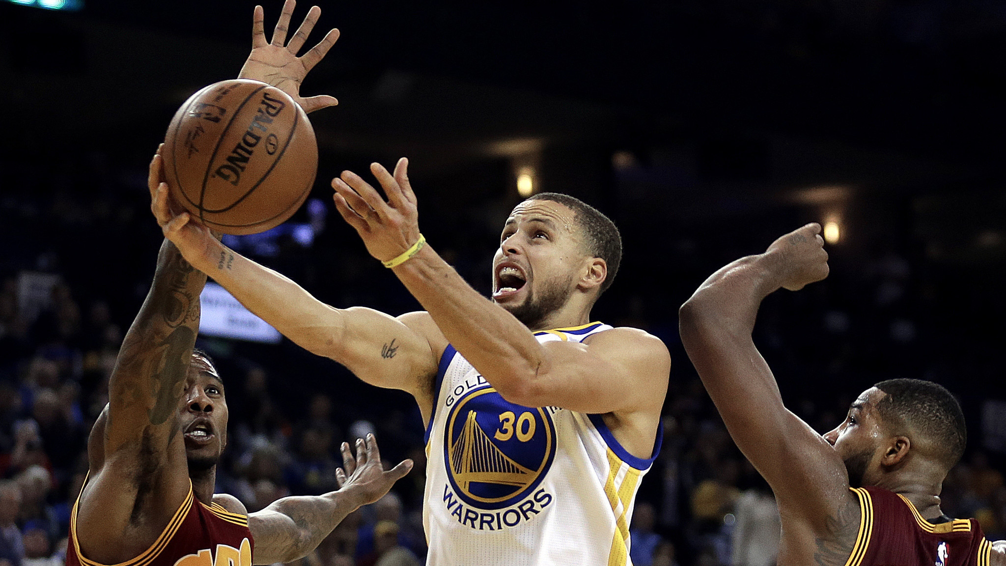 NBA roundup: Warriors win the latest clash with the Cavaliers, 126-91