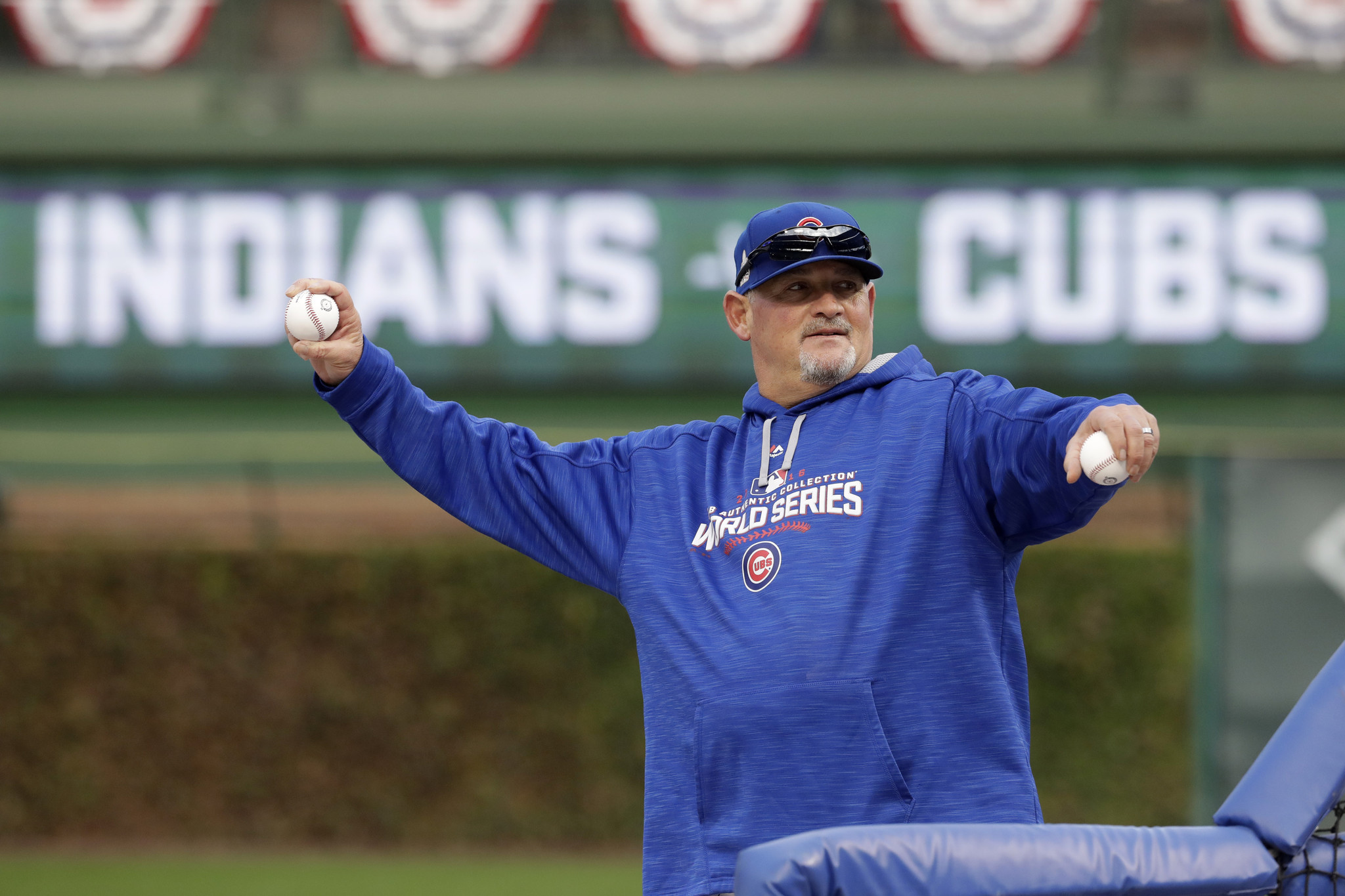 Ct-cubs-chris-bosio-bullpen-spt-0118-20170117