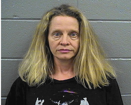 Elgin woman gets 4 years in prison for sex with 15-year-old boy