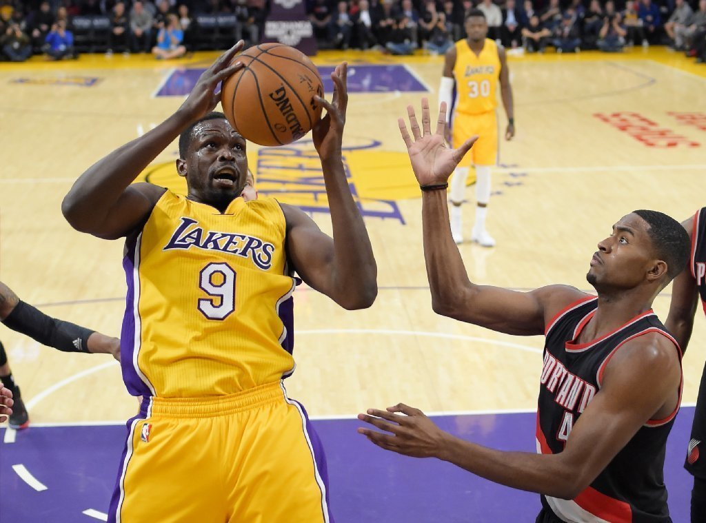 La-sp-lakers-report-20170117