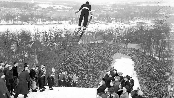 Ski jump event hits obstacle: weather