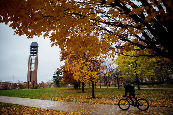 U. of I. plans 15% enrollment rise, tuition hold