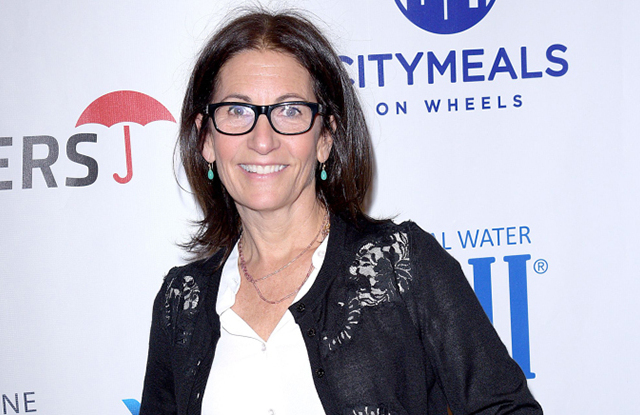 Makeup artist Bobbi Brown plans to renovate hotel, considers a new beauty line