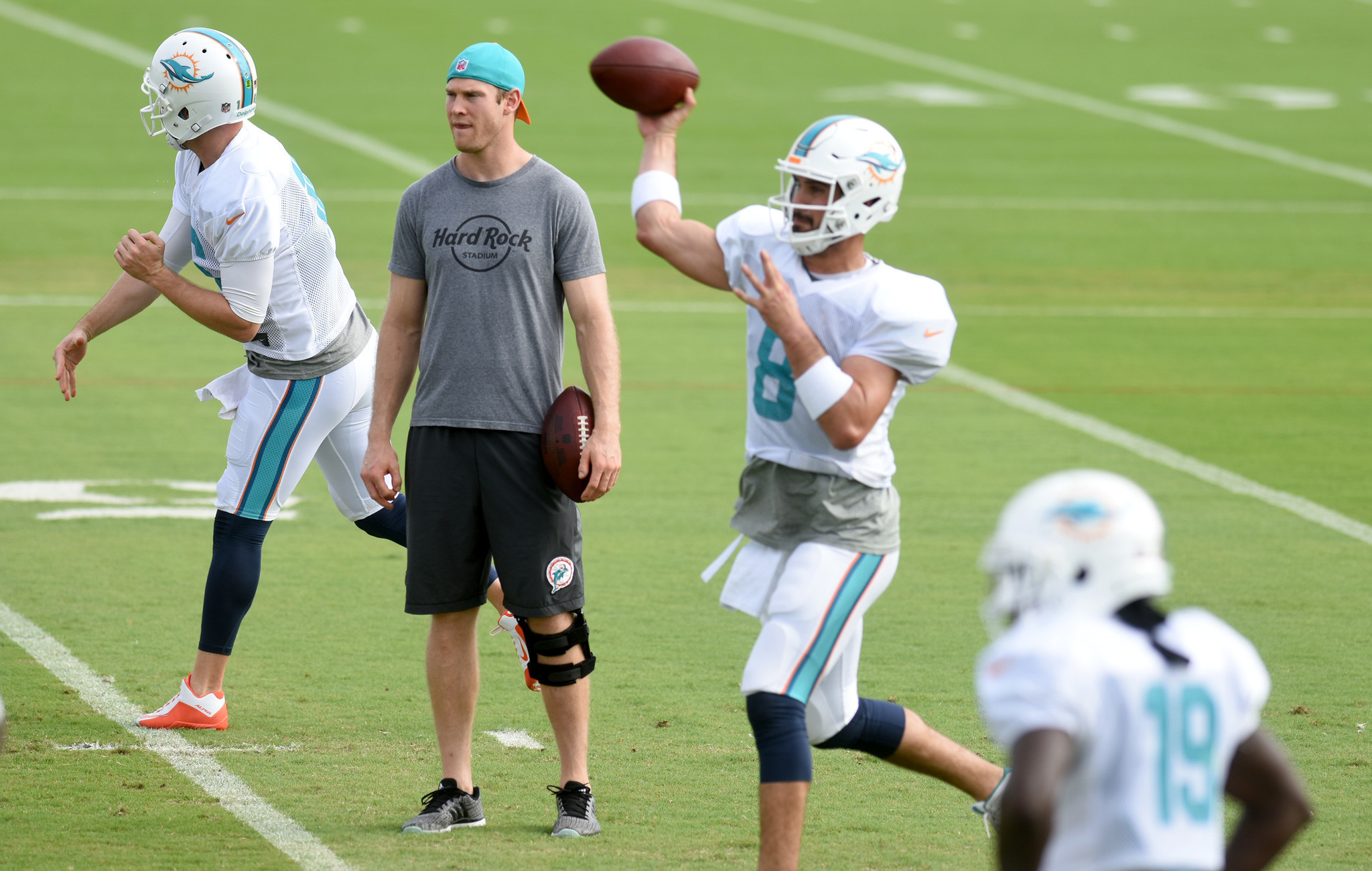 Sfl-perkins-qb-is-now-dolphins-strongest-unit-commentary-20170119