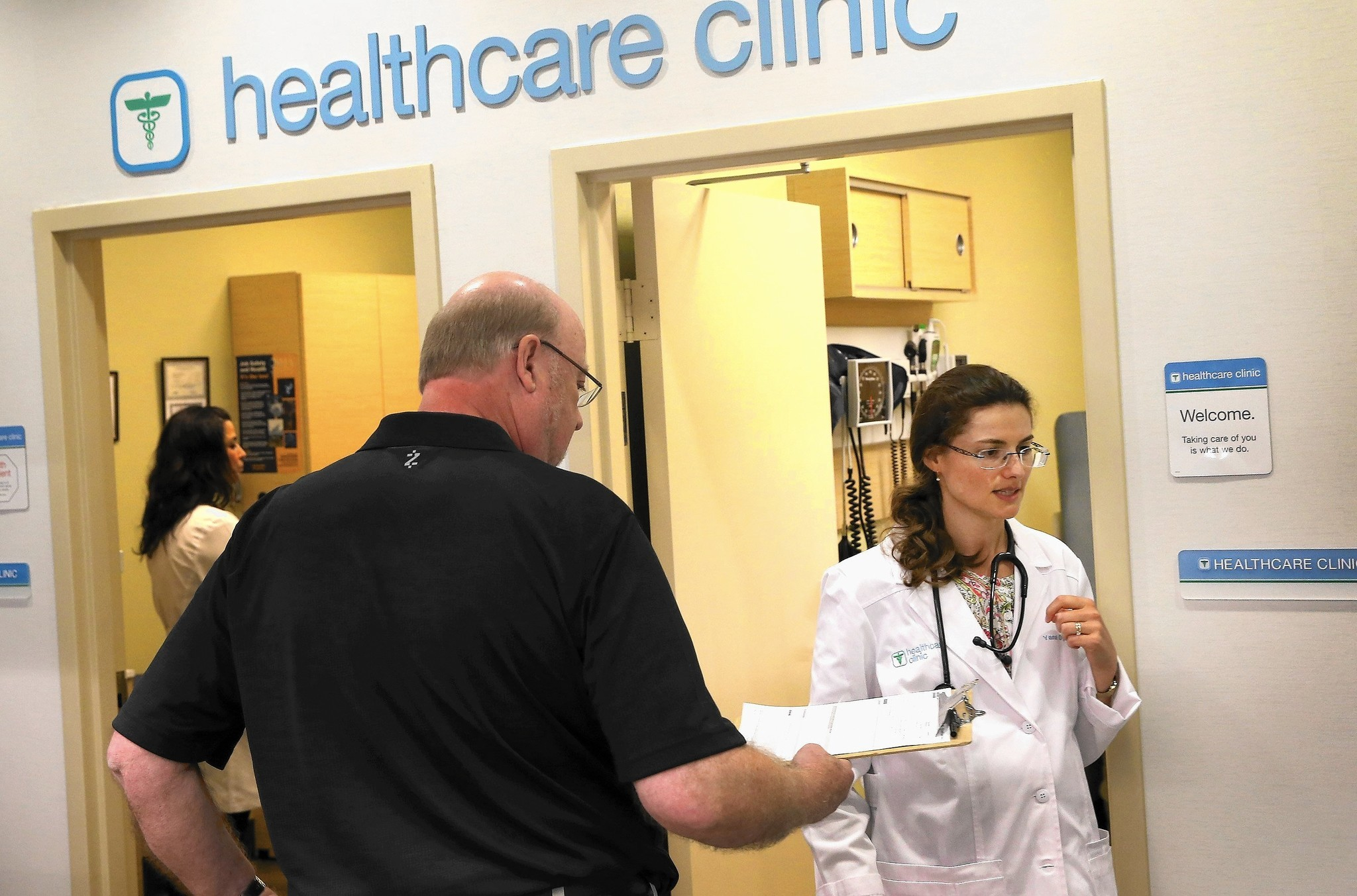 Sick? More Illinois residents heading to store clinics for treatment