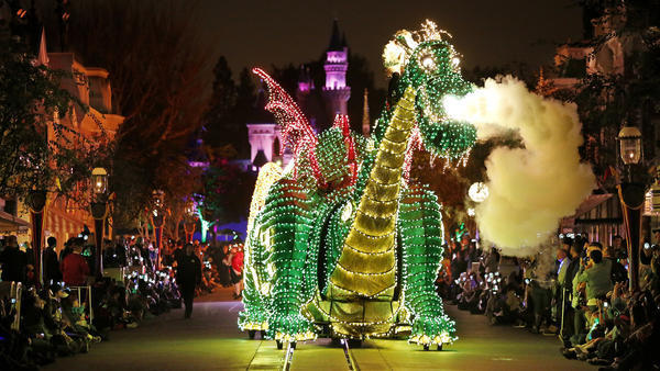 Disneyland's Main Street Electrical Parade comes out of retirement for short stint
