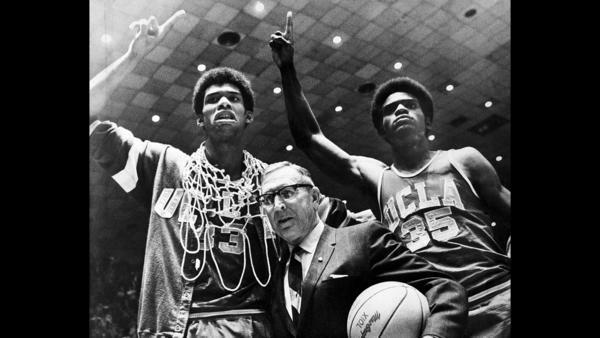 Kareem Abdul-Jabbar to be honored when high-scoring UCLA takes on stifling Arizona