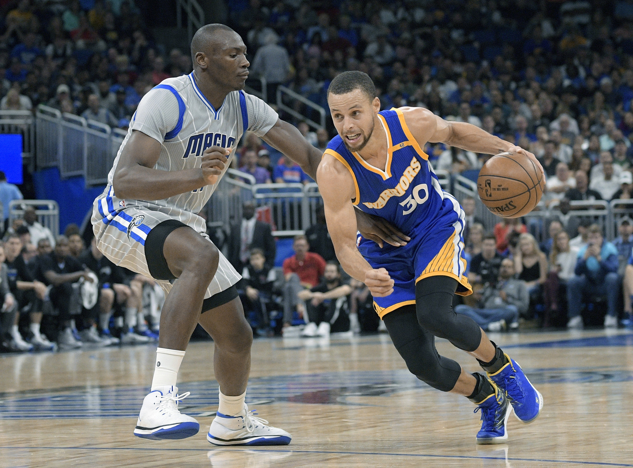 Stephen Curry scores 27 points as Warriors beat Magic 118-98
