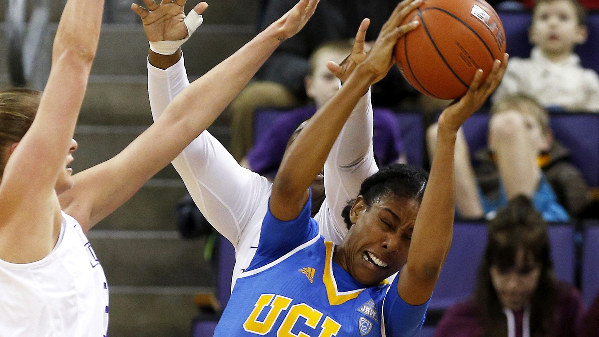 La-sp-college-basketball-roundup-20170122