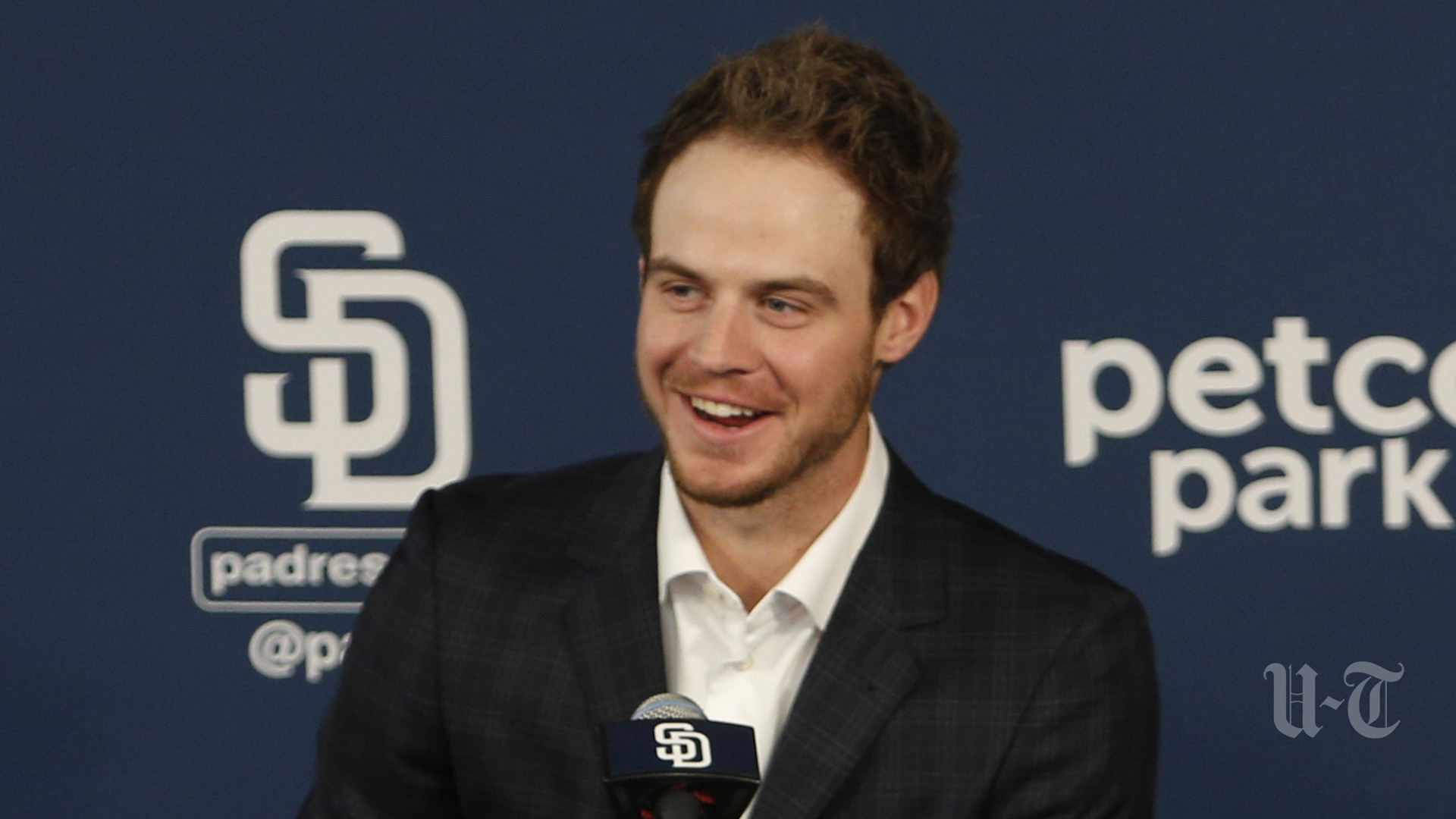 Sd-padres-sign-myers-through-2022-20170123